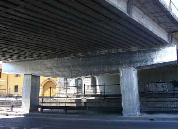 Cathodic protection of concrete columns during repair.
